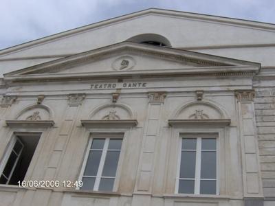 800px-facciata_teatro_dante.png