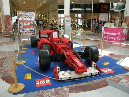 Una formula uno fatta con il Lego