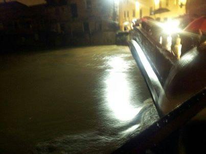 Il Bisenzio al Ponte della Rocca alle ore 22.30 - Foto della Fratellanza Popolare di S.Donnino